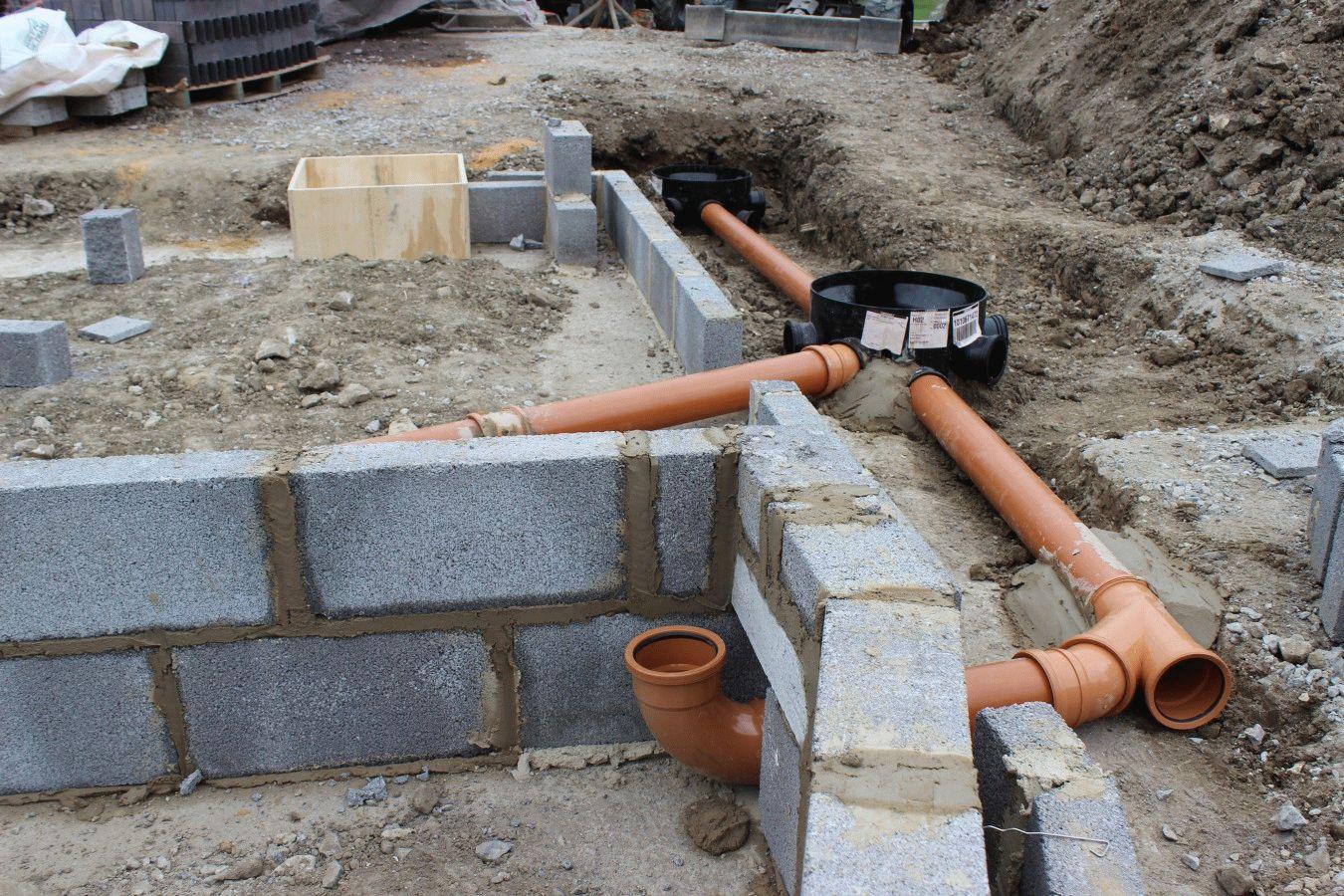 Прокладка наружней канализации в частном доме своими  669
