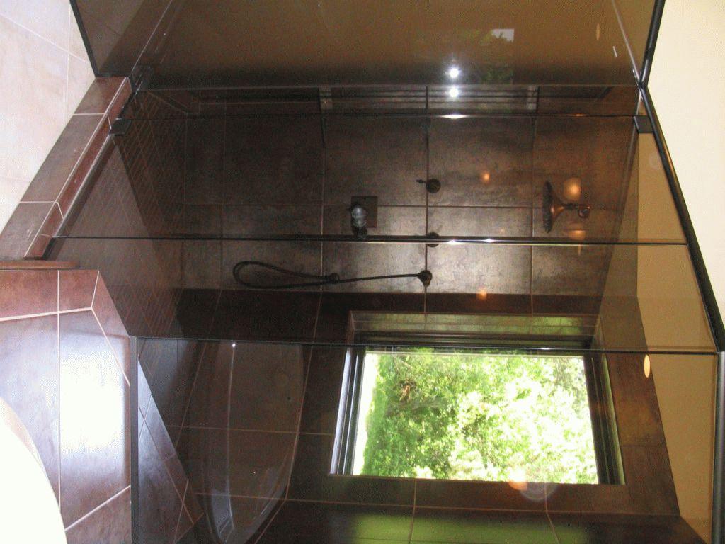 Тонированное стекло в душе