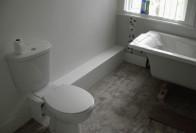 Тонкости прокладки труб в ванной комнате с рекомендациями
