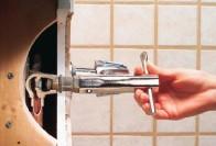 Как починить смеситель в ванной: способы и особенности ремонта