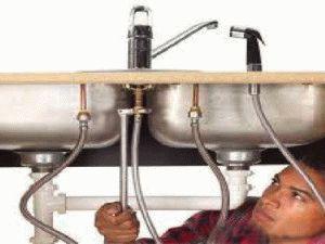 Установка кухонного смесителя