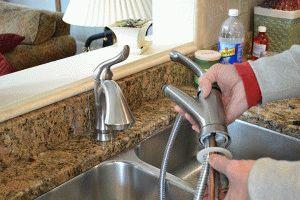 Замена кухонного смесителя