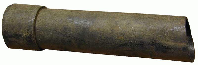 Наклонная канализационная труба