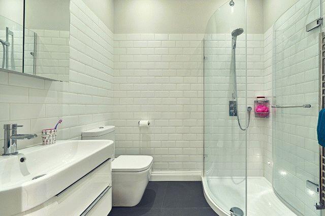 Просторная ванная с душем